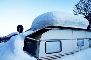 Schneelast auf Wohnwagendach
